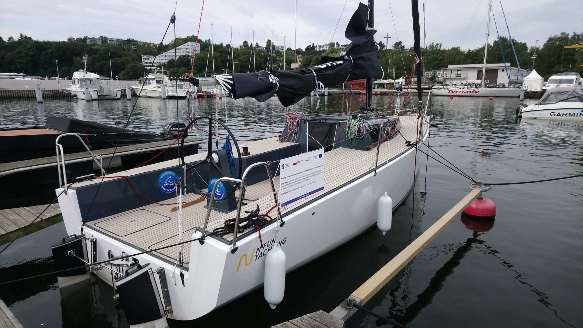 N Fun 30 wins the first prize for the best sailing yacht design.