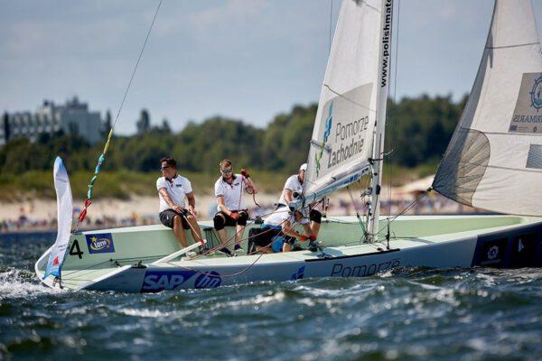 Daysailer, lifting keel, N'Fun 30 yacht